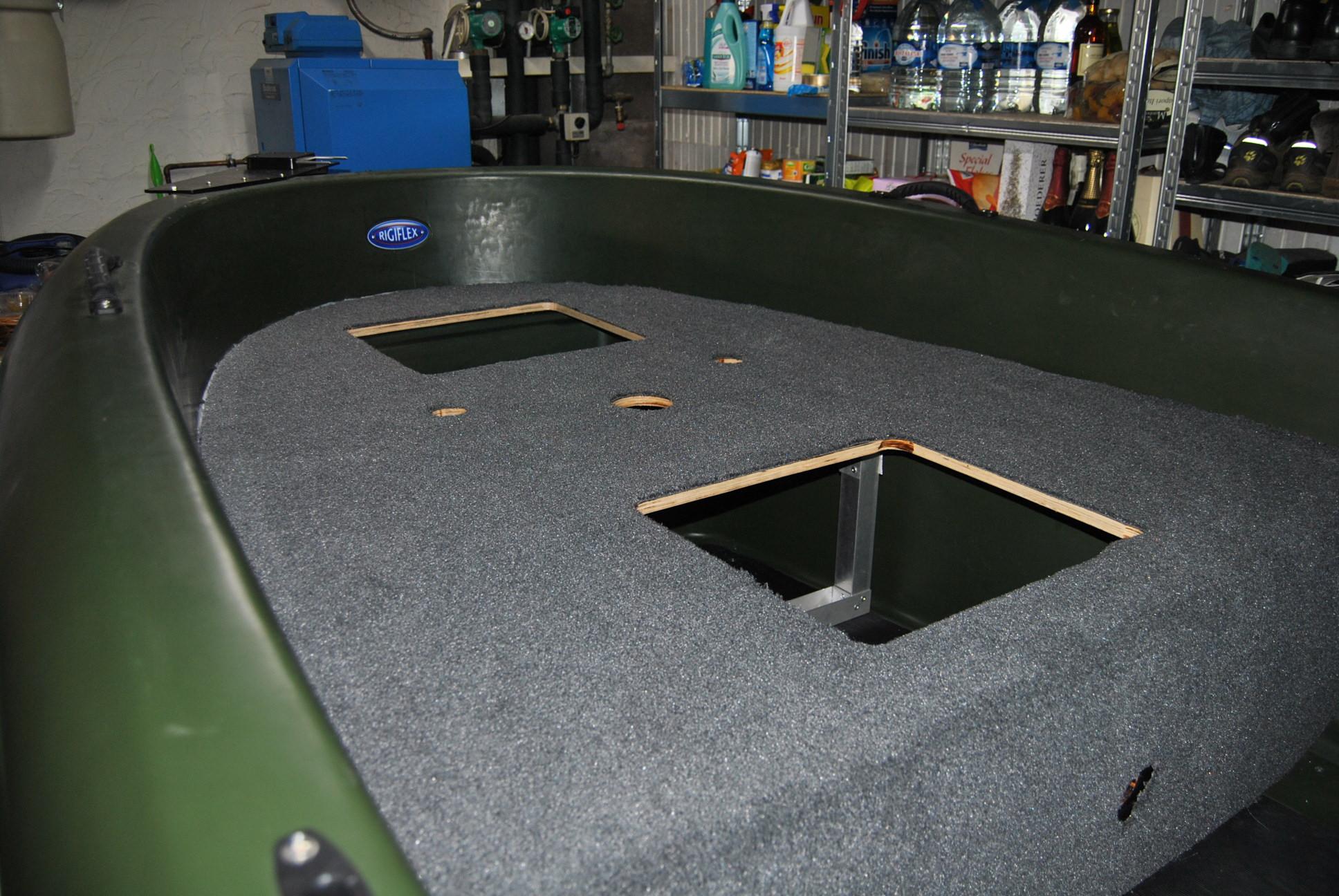 Cap 370 pontage bass boat suite et fin page 2 for Peut on mettre du lino sur de la moquette